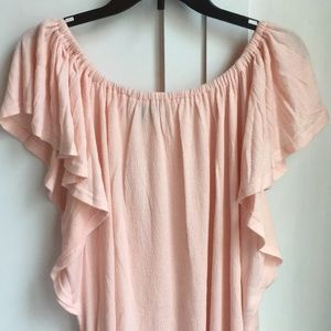 Tops - NWT on or off shoulder top